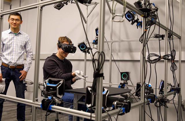 VR & AR Future Gloves